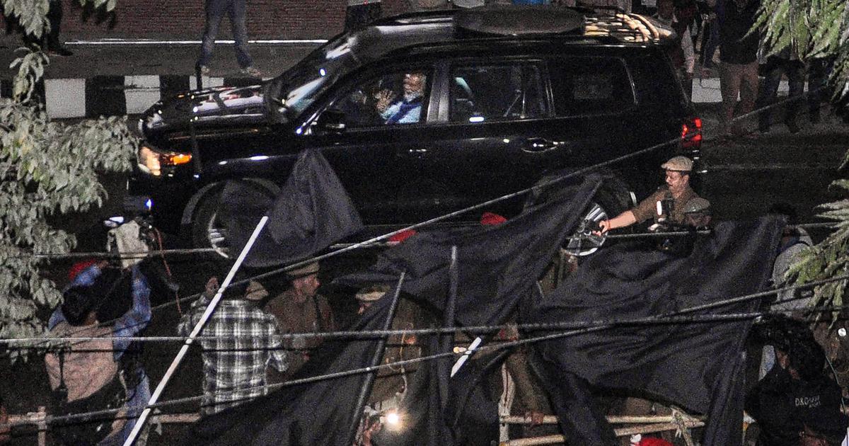 असम : नागरिकता (संशोधन) विधेयक के विरोध में नरेंद्र मोदी को फिर काले झंडे दिखाए गए