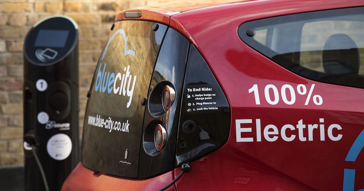 इलेक्ट्रिक वाहनों पर अब 12 की जगह पांच फीसदी जीएसटी लगने के फैसले सहित दिन के पांच बड़े समाचार