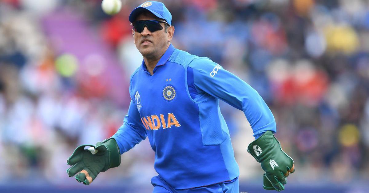 आईसीसी ने महेंद्र सिंह धोनी को खास चिह्न वाले दस्ताने पहनने की इजाजत नहीं दी