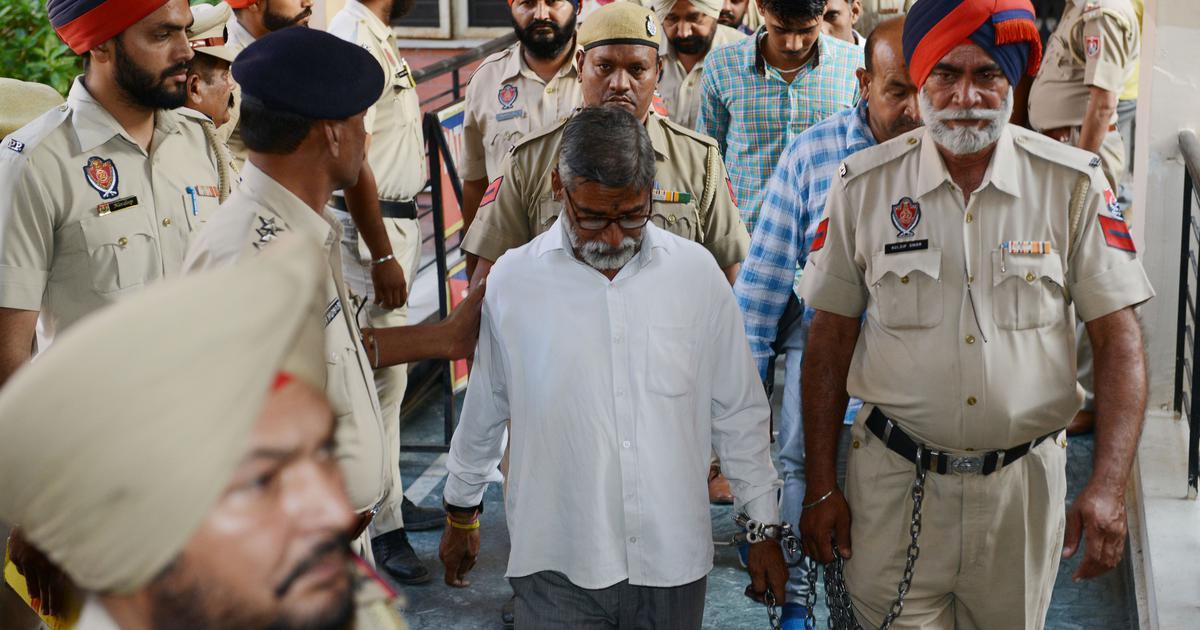 कठुआ बलात्कार और हत्या मामले में तीन दोषियों को उम्र कैद की सजा होने सहित दिन के दस बड़े समाचार