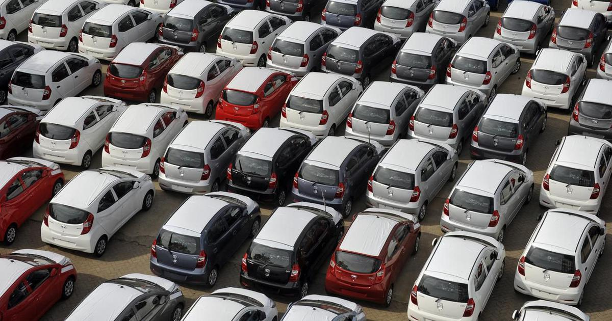 Monthly passenger vehicle sales log worst-ever drop in August