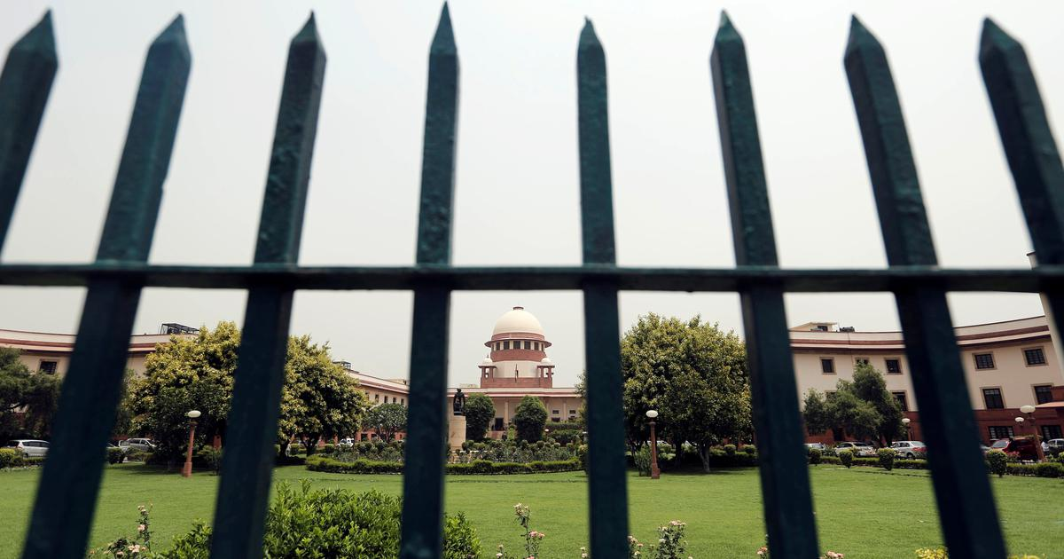Kashmiri lawyer moves Supreme Court against Presidential order scrapping special status of J&K