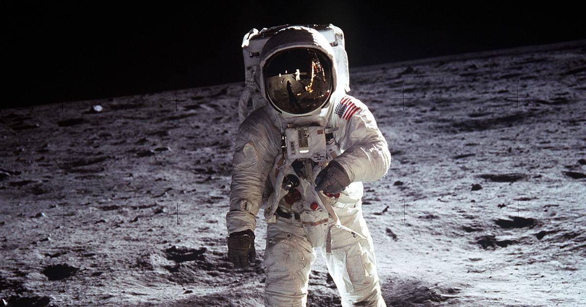 अचानक दुनिया भर में चांद पर फिर से पहुंचने के लिए इतनी भगदड़ क्यों मच गई है?