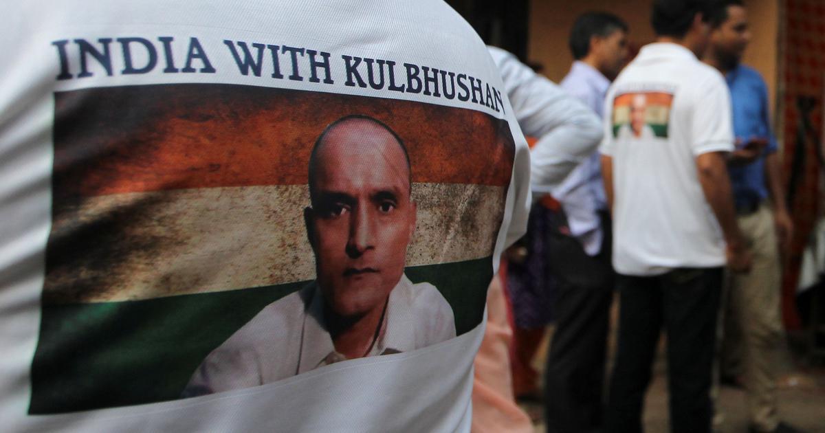 कुलभूषण जाधव को मौत की सजा के खिलाफ अपील की इजाजत देने के लिये पाकिस्तान आर्मी एक्ट बदलेगा