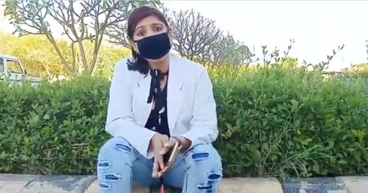 उत्तर प्रदेश : मेडिकल स्टाफ का आरोप- मास्क और सेनेटाइजर मांगने पर हाथ-पैर तुड़वाने की धमकी