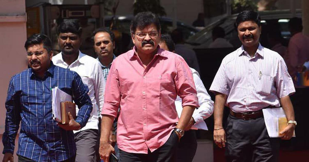 महाराष्ट्र सरकार में मंत्री जितेंद्र अव्हाड़ के कोरोना संक्रमित पाए जाने सहित आज के बड़े समाचार