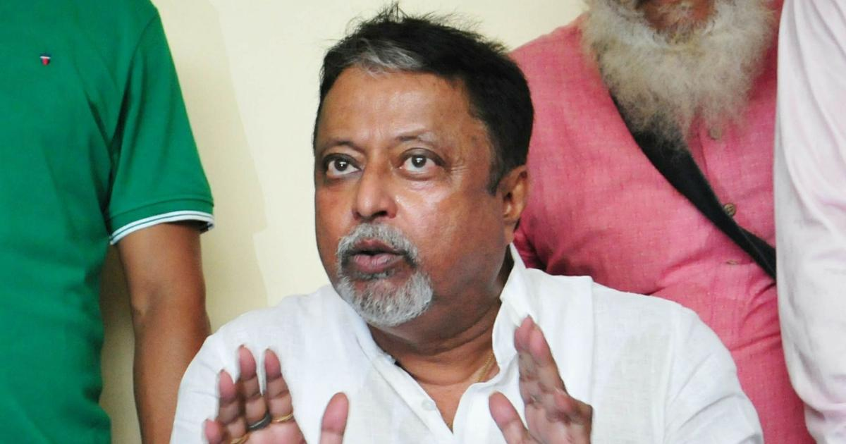 Kolkata: Court issues arrest warrant against BJP leader Mukul Roy in cash recovery case
