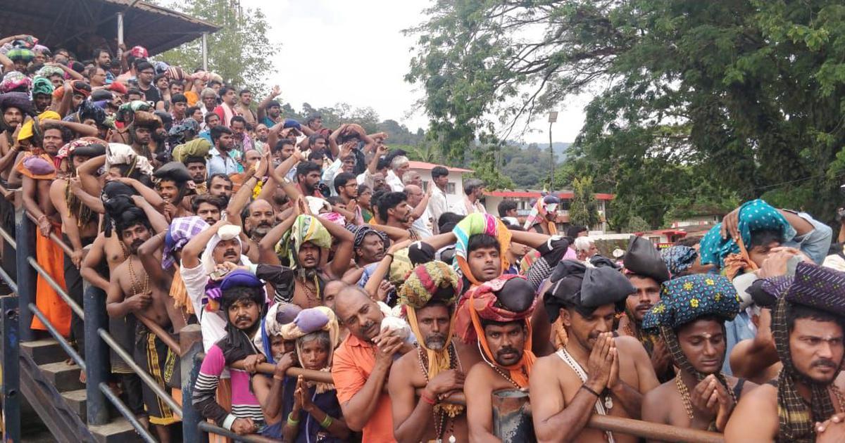 परंपराओं के लिए सबरीमला में विरोध भड़का रहे भाजपाइयों ने मंदिर की परंपरा तोड़ी : रिपोर्ट