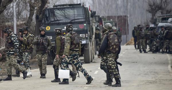 जम्मू-कश्मीर : सुरक्षा बलों के साथ मुठभेड़ में तीन आतंकी मारे गए