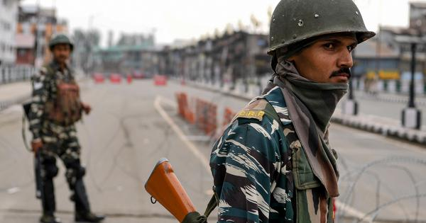 J&K crisis sparks squabbles between members of medical, legal, media professional bodies - Scroll.in