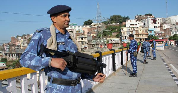 कश्मीर यात्रा के बाद यूरोपीय संघ के दूत ने कहा- घाटी से जल्द पाबंदियां हटाने की जरूरत