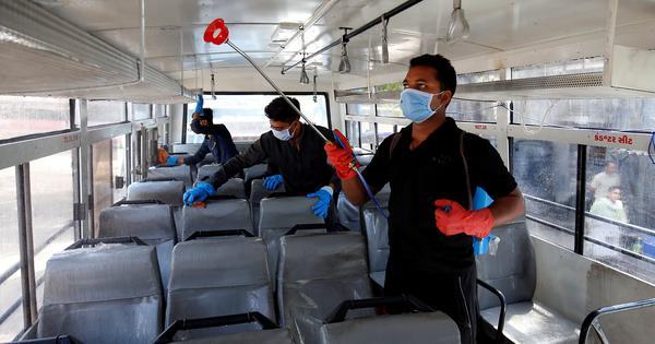 ब्लीच, सिरका या एल्कोहल? घर की सफाई में किन केमिकल्स से कोरोना वायरस को खत्म किया जा सकता है?