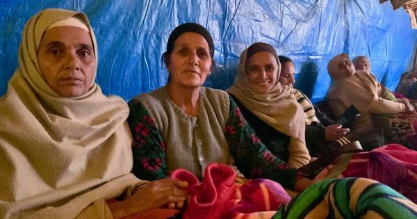 कैसे किसान आंदोलन इसमें शामिल महिलाओं को जीवन के सबसे जरूरी पाठ भी पढ़ा रहा है