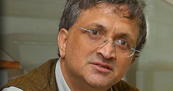प्रसिद्ध इतिहासकार रामचंद्र गुहा और उनकी पत्नी को धमकी मिली