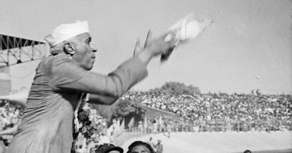 जवाहरलाल नेहरू के जन्मदिन के अलावा 14 नवम्बर के नाम और क्या-क्या दर्ज है?