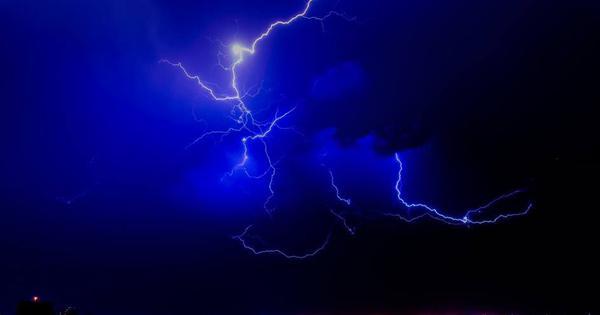 बिहार: आकाशीय बिजली गिरने से 21 लोगों की मौत