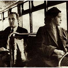 रोसा पार्क के श्वेत यात्री को सीट देने से इनकार सहित एक दिसंबर के नाम और क्या-क्या दर्ज है?