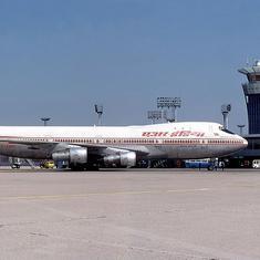 सीबीआई ने एयर इंडिया के पूर्व प्रमुख अरविंद जाधव के खिलाफ भ्रष्टाचार का मामला दर्ज किया