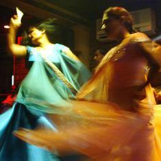 मुंबई के डांस बारों को शर्तों के साथ खोलने की मंजूरी मिलने सहित दिन के 10 बड़े समाचार