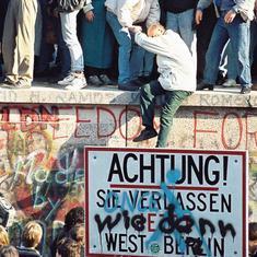 पूर्वी और पश्चिमी जर्मनी के एक होने सहित तीन अक्टूबर के नाम इतिहास में और क्या दर्ज है?