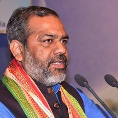योगी के मंत्री बोले - यज्ञ कर इंद्र देव को खुश कीजिए, प्रदूषण दूर हो जाएगा
