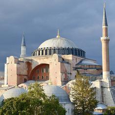 हाजिया सोफ़िया भी उन प्रतीकों में से एक है जिन्हें धर्म की आड़ में सत्ता का जरिया बनाया जाता है