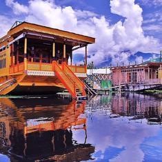 क्या कश्मीर में पर्यटन से जुड़े लाखों लोगों की टूटी कमर के लिए हमारे पास कोई मलहम है?