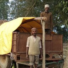 सर्दी हो या गर्मी, उत्तर प्रदेश में किसानों की एक बड़ी संख्या अब खेतों में ही रात बिताती है