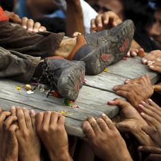 अचानक ऐसा क्या हो गया कि कश्मीर में लोग मिलिटेंट्स के लिए जान देने को तैयार हैं?