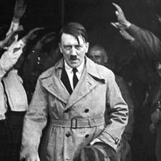 हिटलर के आत्महत्या करने के अलावा 30 अप्रैल के नाम और क्या दर्ज है?