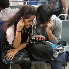 क्या आने वाले समय में मोबाइल फोन के साथ चार्जर और ईयरफोन मिलना बंद हो जाएंगे?