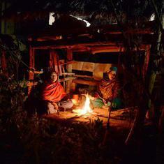 नेपाल : माहवारी की वजह से बंद झोपड़ी में रह रही महिला की दम घुटने से मौत